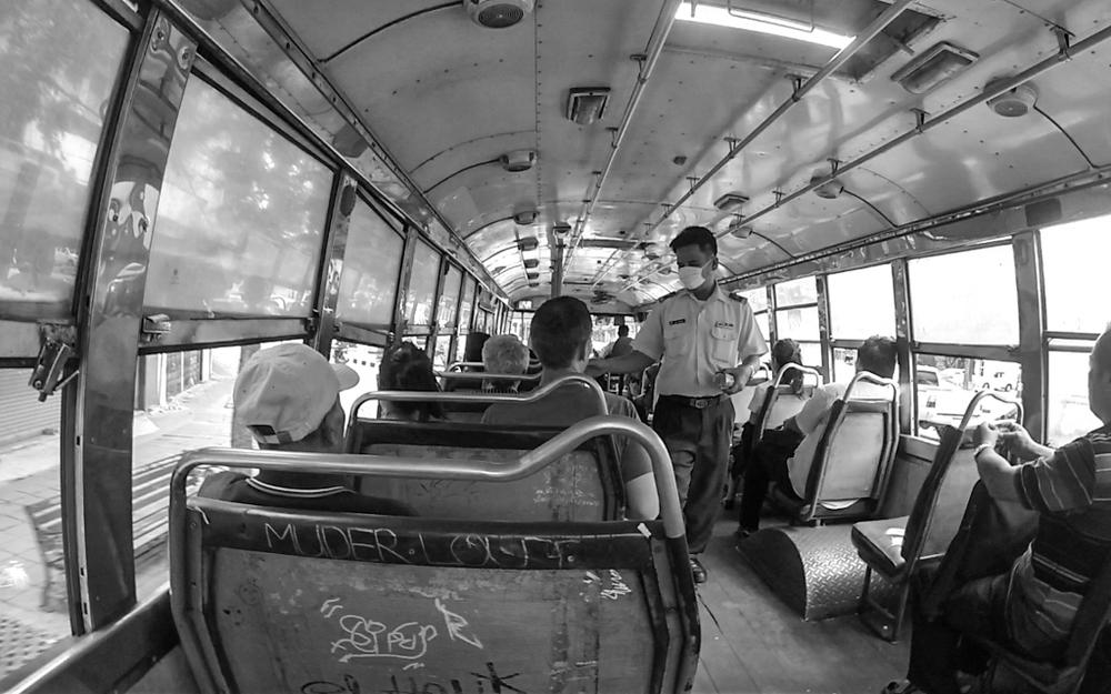 Christian-Schaffer-Asia-Thailand-Bangkok-Bus.jpg