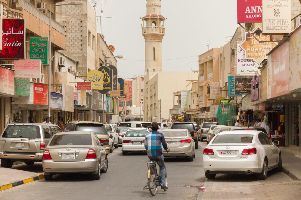 Christian-Schaffer-Bahrain-Manama-Street.jpg