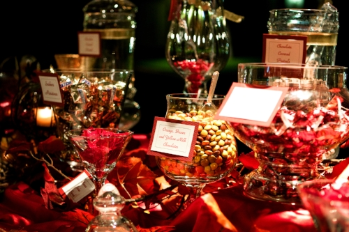 Custom maroon and golf wedding candy buffet designed by Sweet I Do's Wedding Day Management Specialist McCormick Ranch Golf Club Scottsdale Arizona