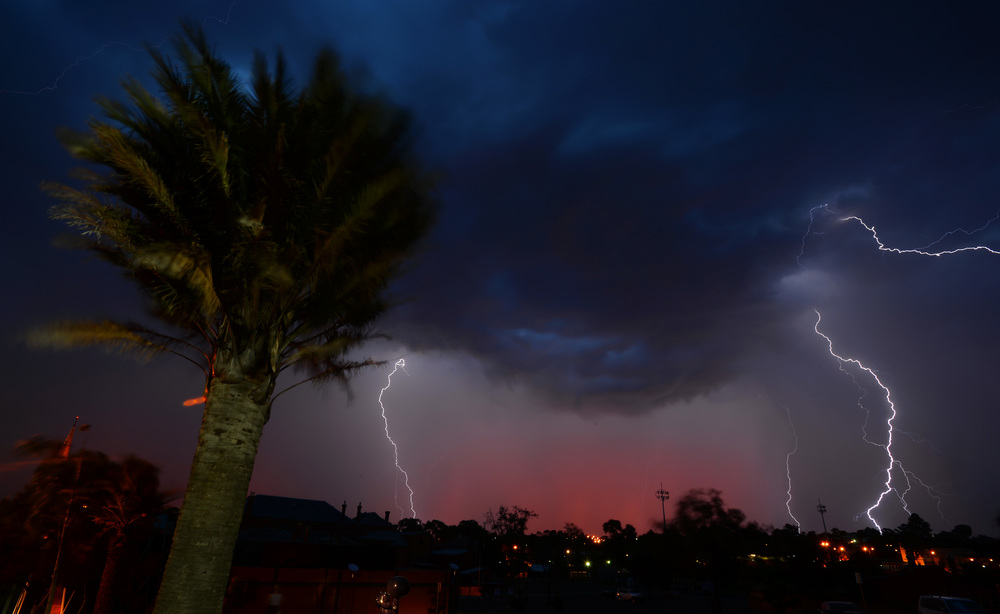 lightning001.jpg
