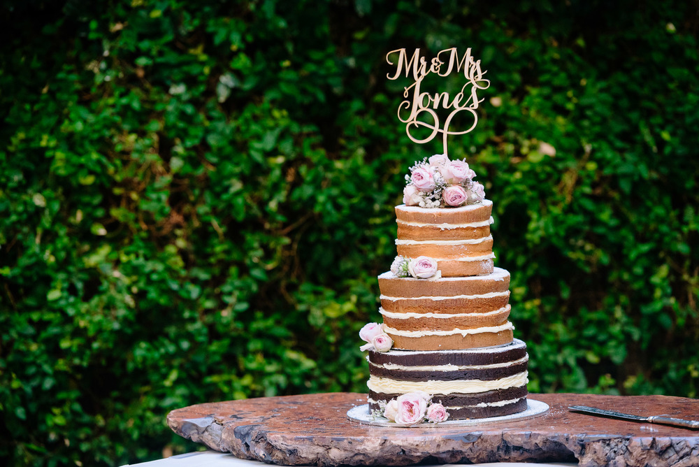 Radcliffes Wedding Photographer Echuca Cake