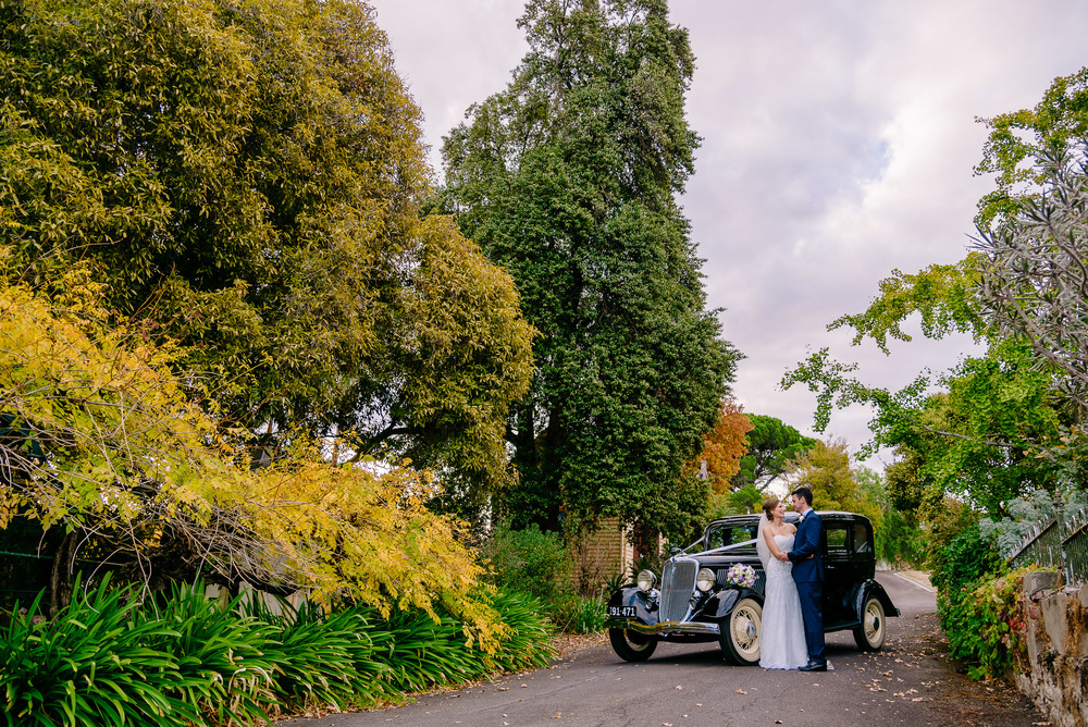 Wedding Car in Driveway of Fortuna Villa Bendigo