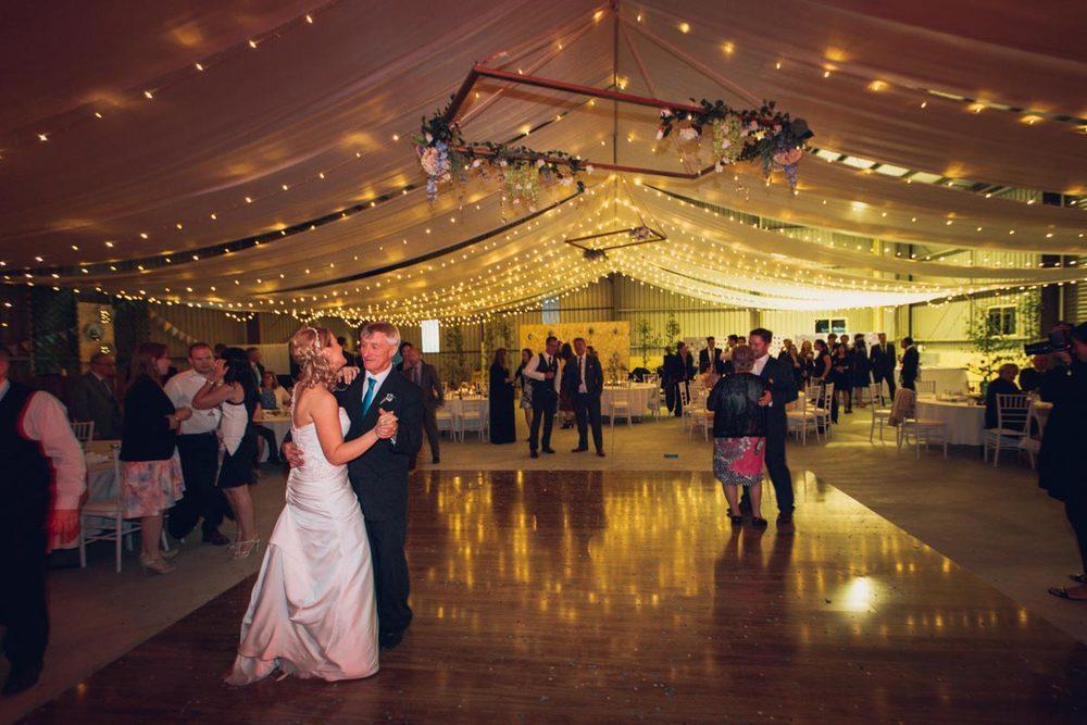 sunshine-coast-destination-wedding-photographers-mooloolaba-maroochydore-maleny-montville-flaxton-noosa-hinterland-caloundra-destination-elopement-photos-best-eco-friendly-200.jpg