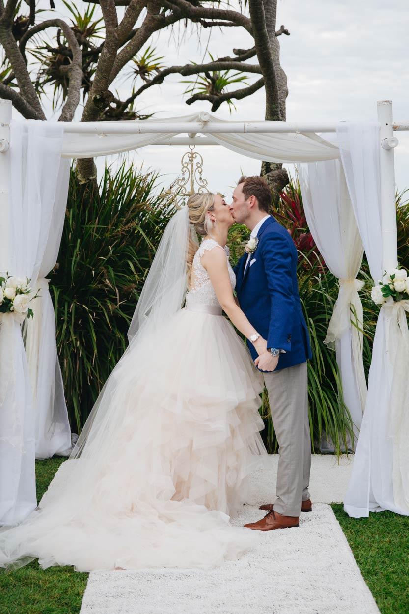 sunshine-coast-destination-wedding-photographers-brisbane-queensland-australian-maleny-montville-flaxton-noosa-hinterland-byron-bay-gold-caloundra-international-american-elopement-best-eco-top-63.jpg