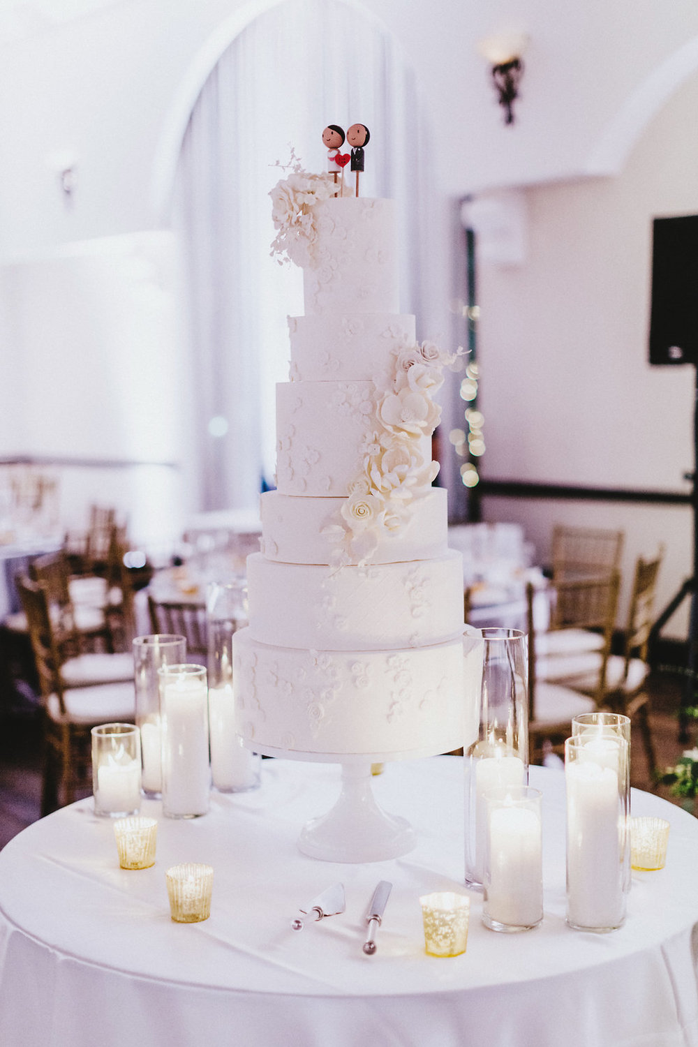 Lattice and floral mold wedding cake