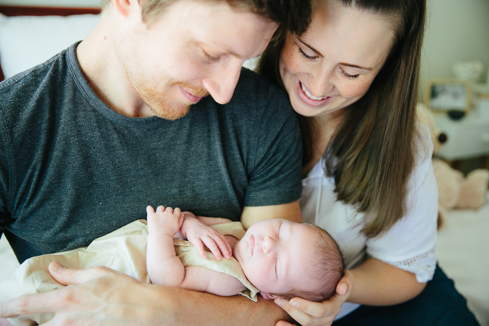 Documentary lifestyle newborn photographer-23.jpg