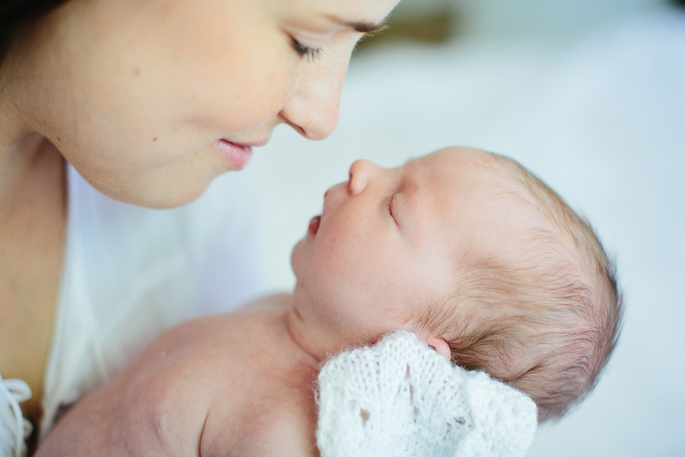 Documentary lifestyle newborn photographer-55.jpg