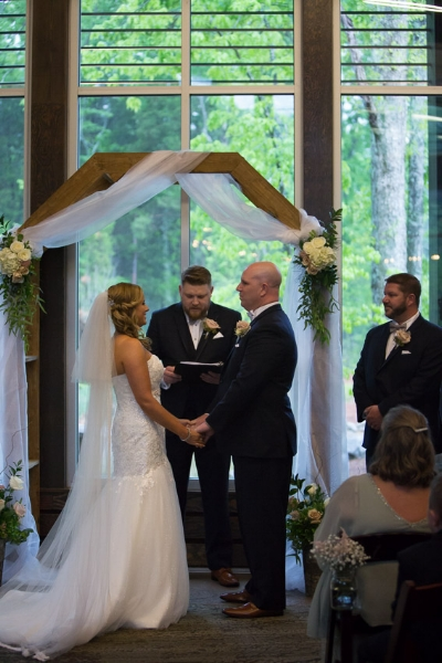 Nelson-andrews-leadership-lodge-wedding-nashville-bride-and-groom-at-alter.jpg