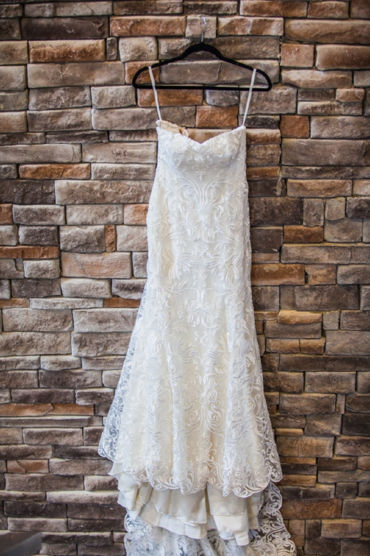 Ambers beautiful wedding dress was custom designed by local Nashville designer ElleNelle Bridal.