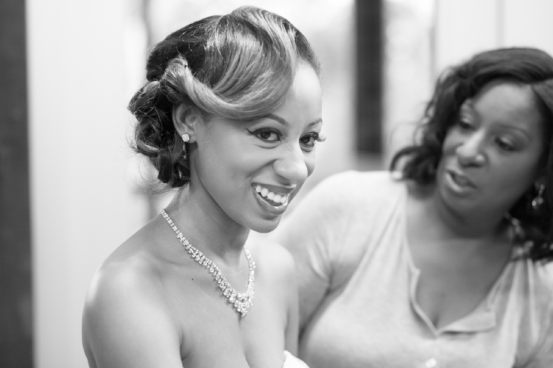 mother-daughter-wedding-moment-image.jpg