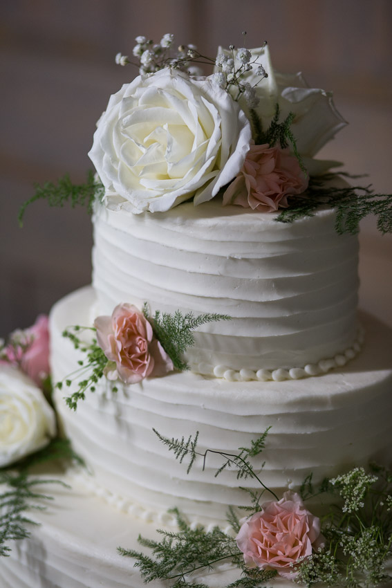 perfect-wedding-cake-nashville-wedding.jpg