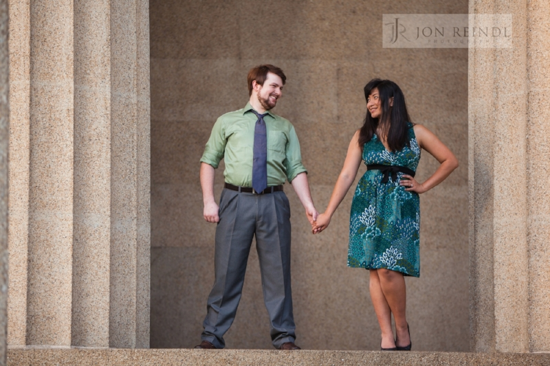 parthenon-nashville-engagement-photo.jpg