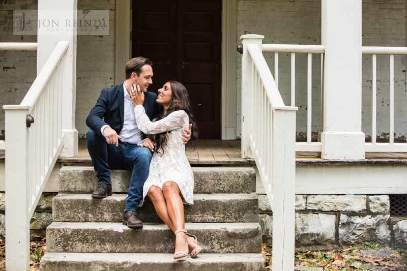 Travellers-rest-plantation-gorgeous-engagement-photo.jpg