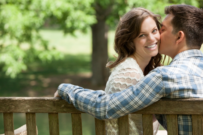 Gorgeous engagement photo at Cheekwood