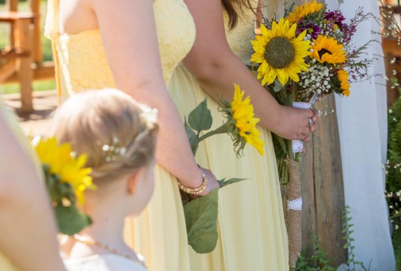 Love the sunflowers!