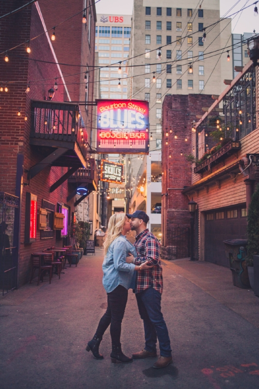 couple-at-printers-alley.jpg