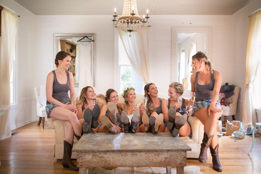 bridesmaids-and-bride-cute-photo-homestead-manor.jpg
