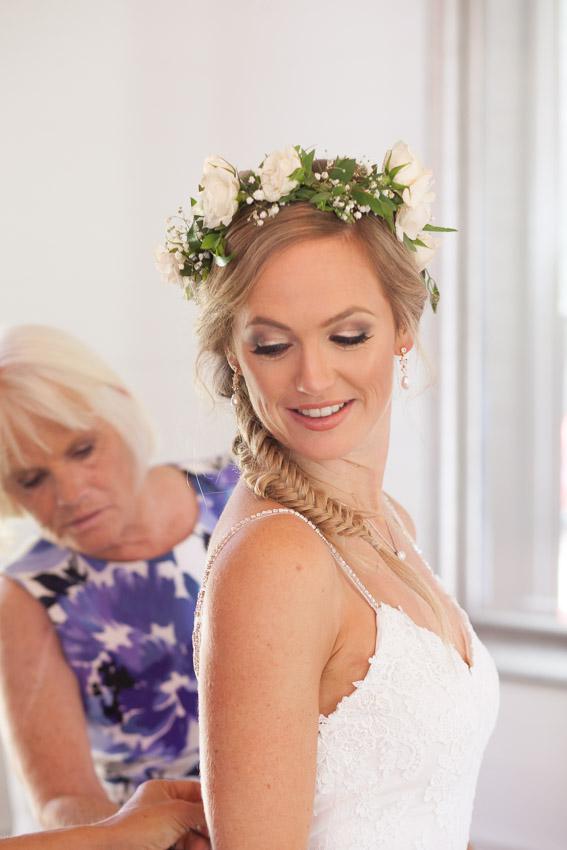 homestead-manor-bride-with-mom.jpg