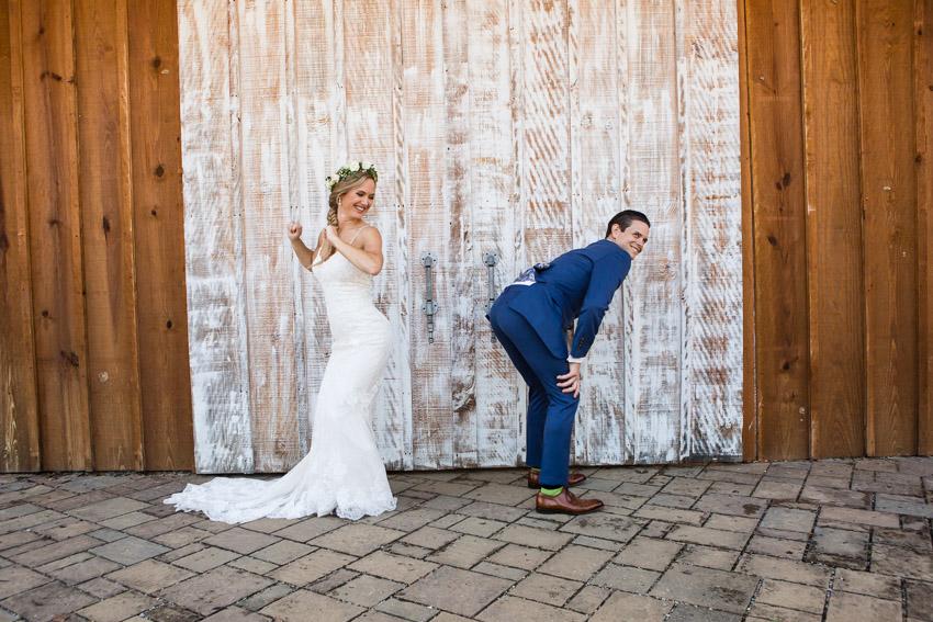 funny-wedding-couple.jpg