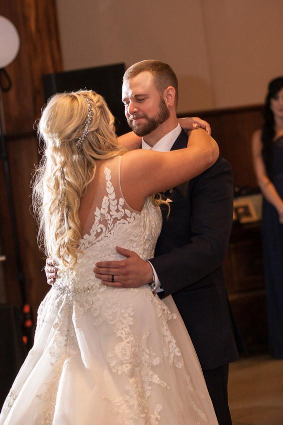 Belle-Meade-Plantation-Wedding-first-dance.jpg