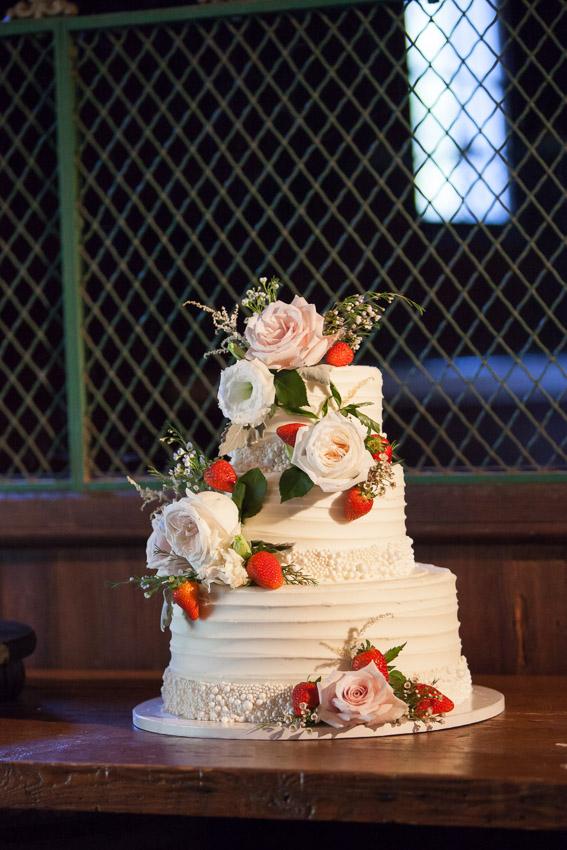 wedding-cake-belle-meade-nashville-wedding.jpg