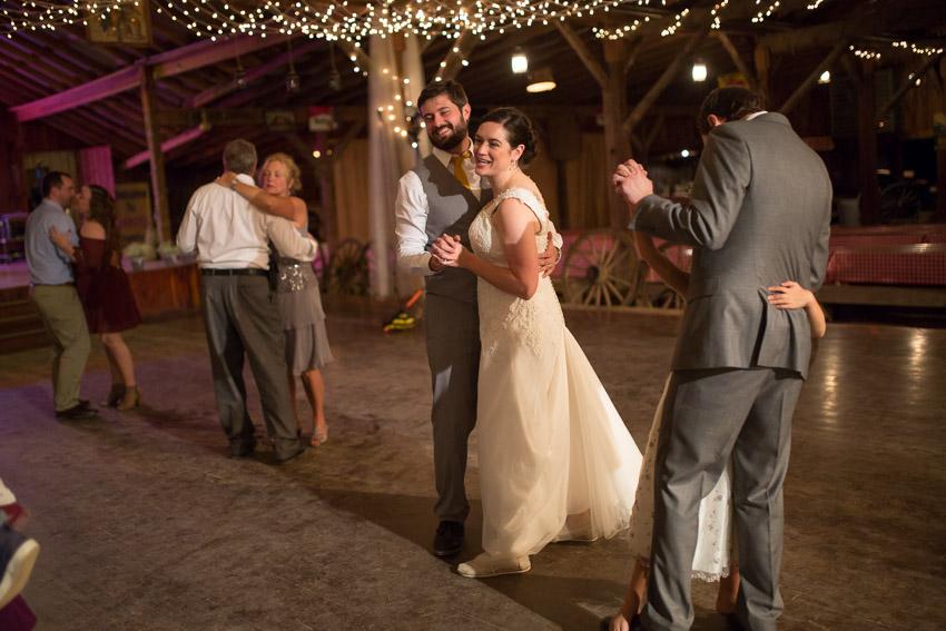 smiley-hollow-wedding-nashville-0158.jpg