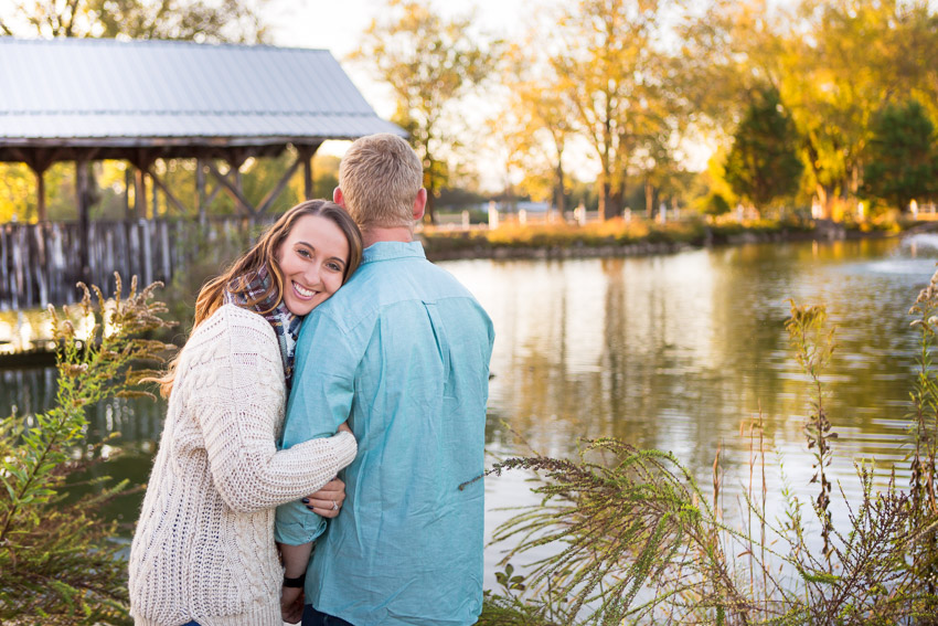 waterside-photo-by-pond-at-legacy-farms-couple.jpg