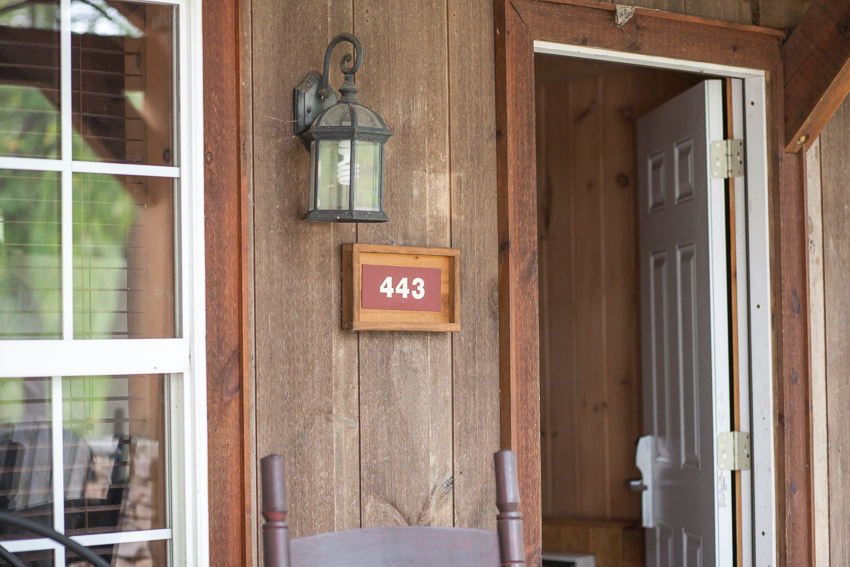 The Smokehouse lodge and cabins was a great location for the groomsmen to hang out before the ceremony.