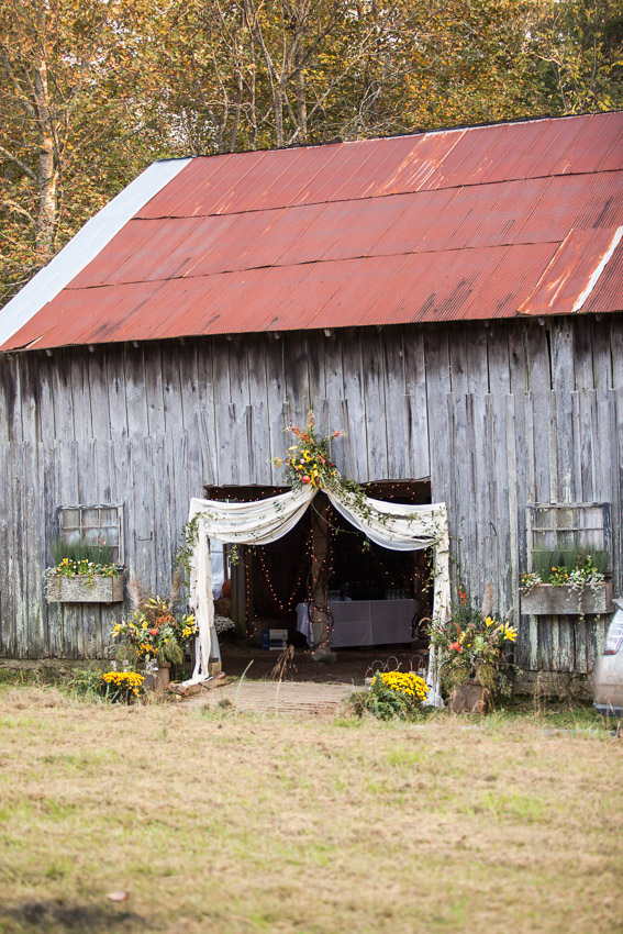 Decorated-Sewanee-Tennessee-Barn-Wedding-0053.jpg