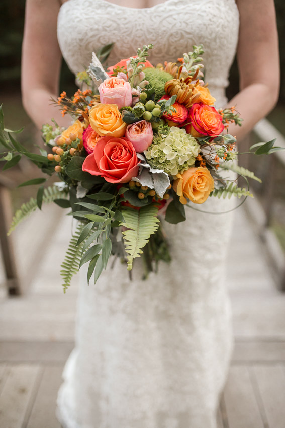 wedding-day-bridal-bouquet-fall-colors.jpg