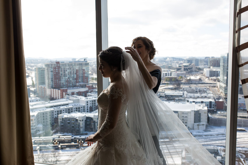bride-getting-veil-on-at-westin-nashville.jpg