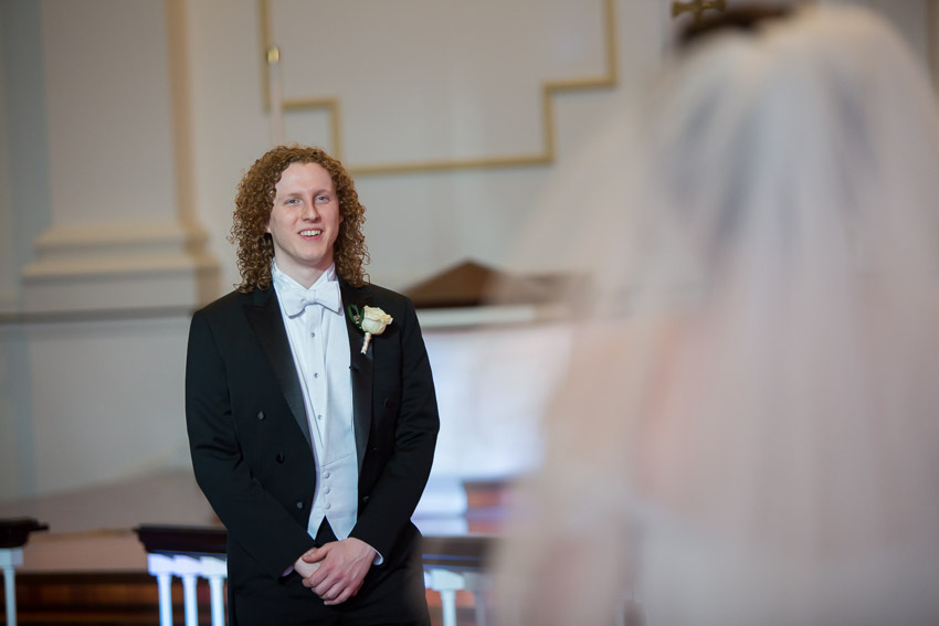 groom-seeing-bride-for-first-time.jpg