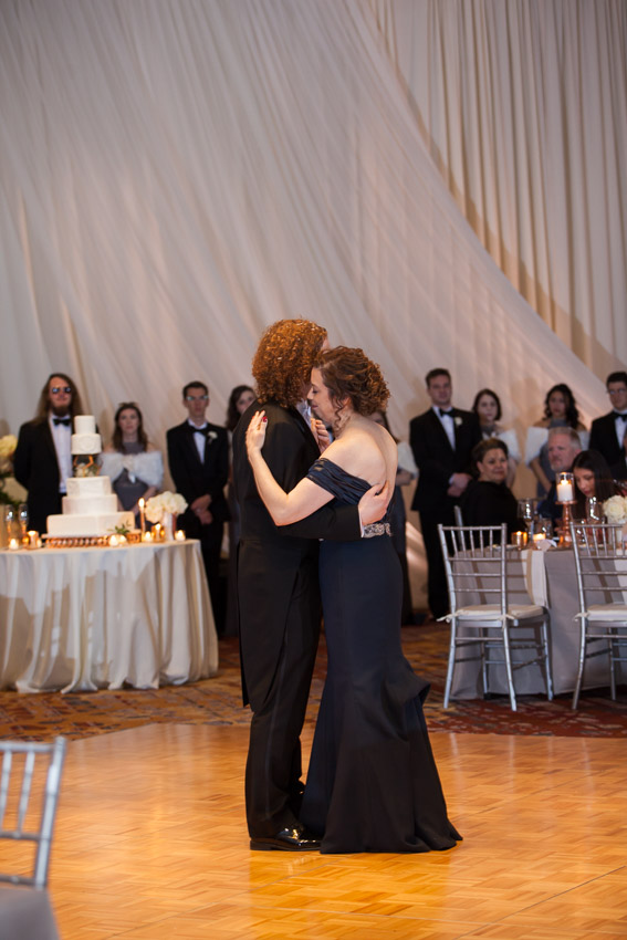 groom-with-brides-mom-dance.jpg