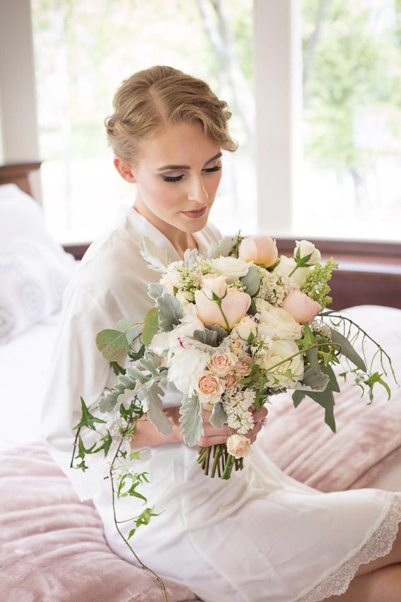 The-Estate-at-Cherokee-dock-wedding-photo-shoot-0003.jpg