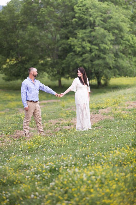 engagement-photo-wild-flowers.jpg