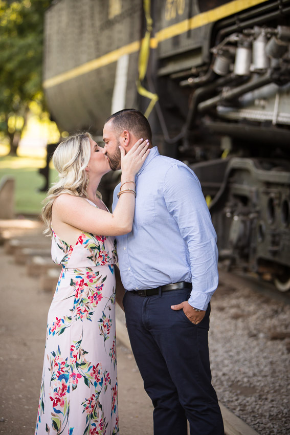 nashville-engagement-session-centennial-park.jpg