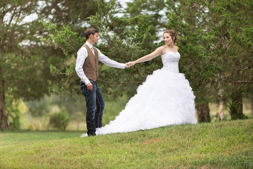 Blue-Barn-Wedding-Columbia-Tennessee-1000.jpg