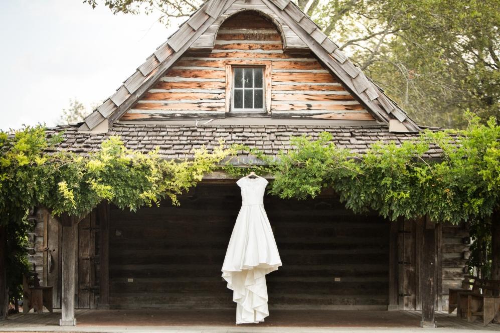 Legacy-Farms-Wedding-Haley-and-jared-Sneak-Peak-0021.jpg