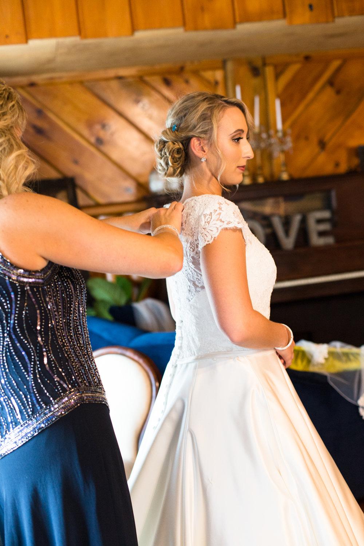 Legacy-Farms-Wedding-Haley-and-jared-Sneak-Peak-0075.jpg