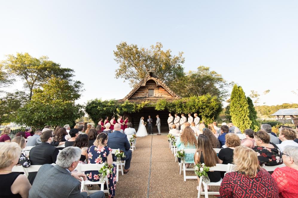 Legacy-Farms-Wedding-Haley-and-jared-Sneak-Peak-0124.jpg