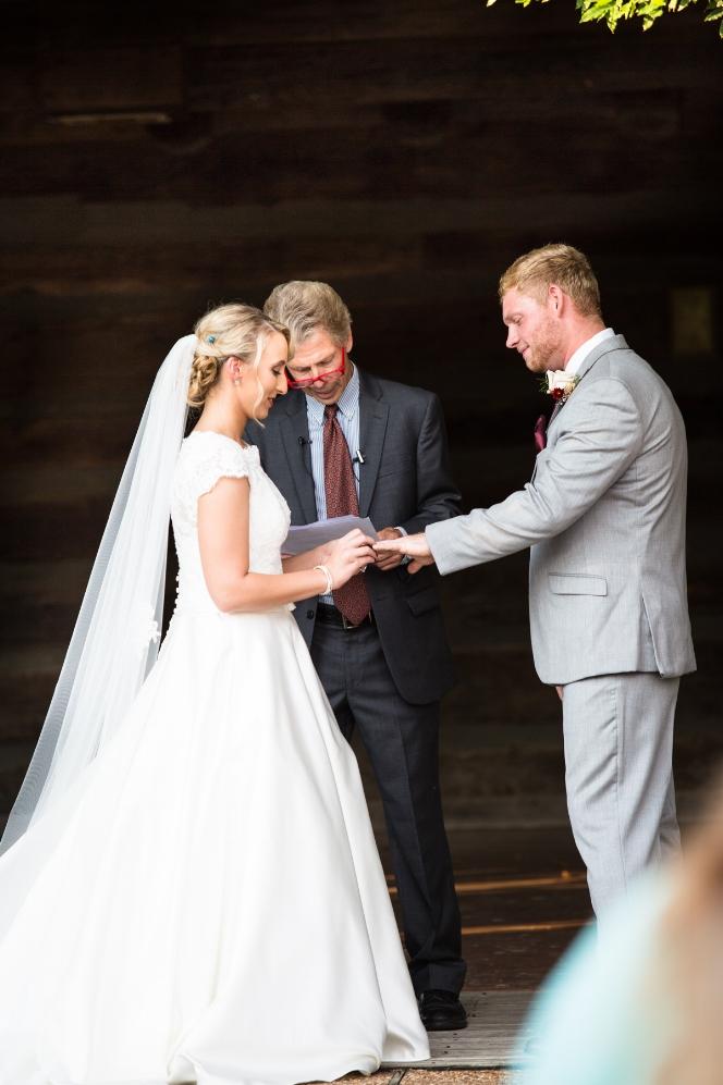 Legacy-Farms-Wedding-Haley-and-jared-Sneak-Peak-0127.jpg