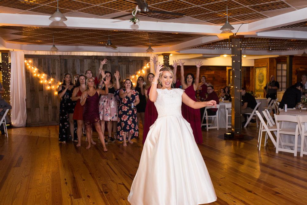 Legacy-Farms-Wedding-Haley-and-jared-Sneak-Peak-0190.jpg