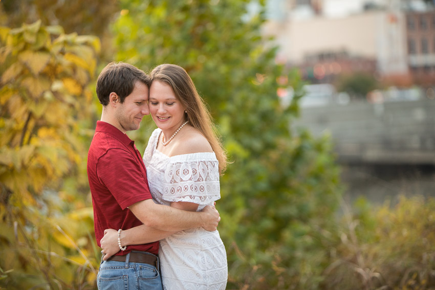 Nashville-Engagement-Session-Riverfront-Park-Aubree-and-Austin-0108.jpg