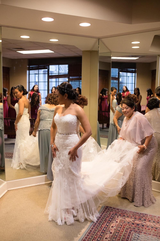 Cathederal-of-the-Incarnation-Nashville-Wedding-Arlene-and-Nathan-Wedding-Sneak-Peak-Negatives-0032.jpg