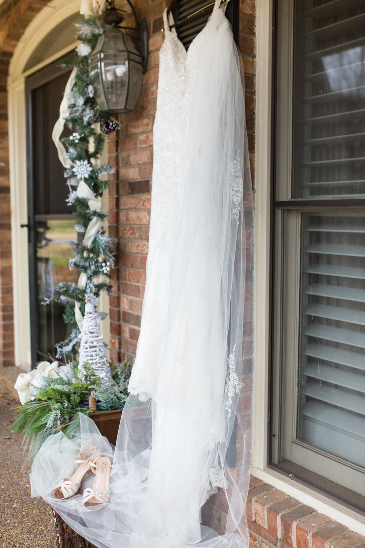 Kelli-and-Matt-Nashville-Wedding-Sneak-Peak-0005.jpg