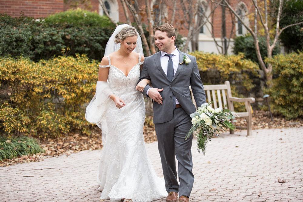 Kelli-and-Matt-Nashville-Wedding-Sneak-Peak-0137.jpg