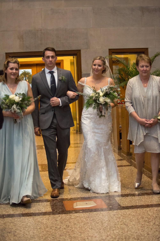 Kelli-and-Matt-Nashville-Wedding-Sneak-Peak-0221.jpg