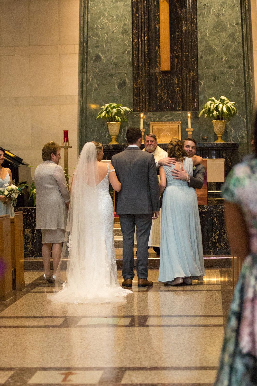 Kelli-and-Matt-Nashville-Wedding-Sneak-Peak-0224.jpg