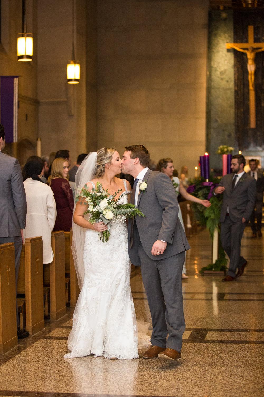 Kelli-and-Matt-Nashville-Wedding-Sneak-Peak-0258.jpg