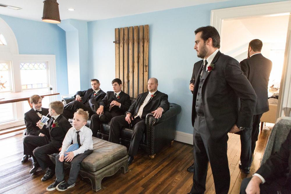 groomsmen-hanging-out-homestead-manor.jpg